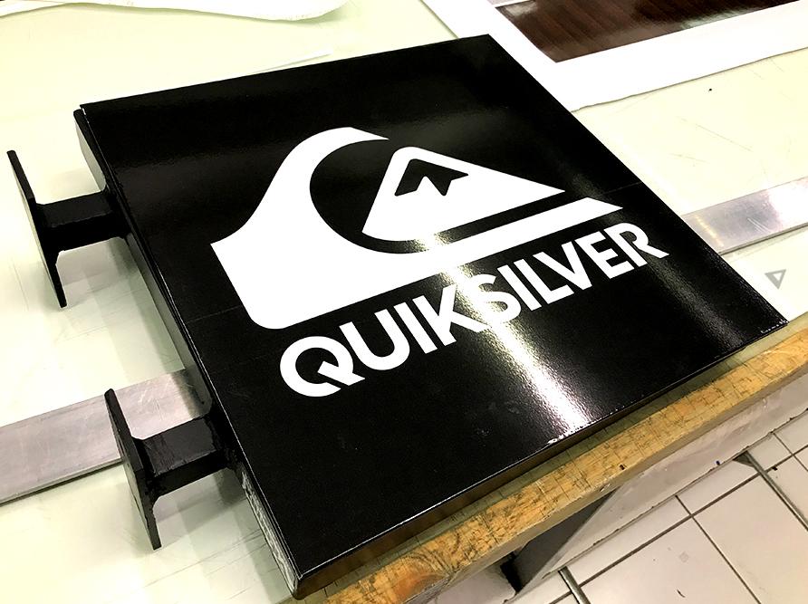 reclame_quiksilver